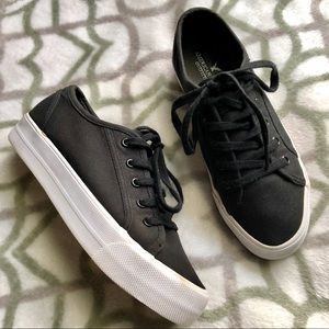 American Eagle Black Platform Sneakers
